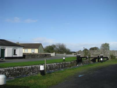 Coolnahinch Bridge and cottage at Lock 41... note the glorious blue sky at this stage of my travels.