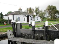 The neatly renovated cottage at Lock 42