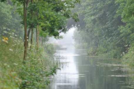 Looking back east toward Lock 18... no, the visibility was not tinkered with... it was rain induced.