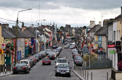 Looking South from the bridge... the main street of Tullamore... note all the for sale boards on the buildings... another sigh of the times.