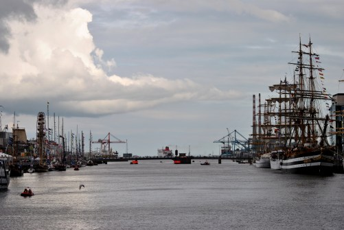 Clouds and Liffey... tall ships along the quays