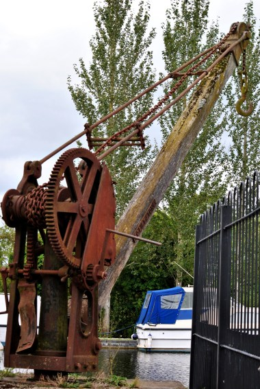 An old derrick on the harbour wall... note the main gear wall...