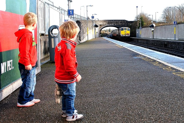 The lads waiting for the Santi Train...