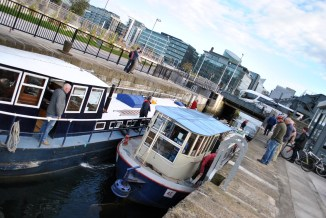 The Sea Lock is open... yep, That´s the Liffey... freedom at last... the Royal Canal has been conqured!