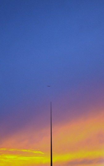 Dublin's Spire is dwarfed bu the sunset... golden or what?