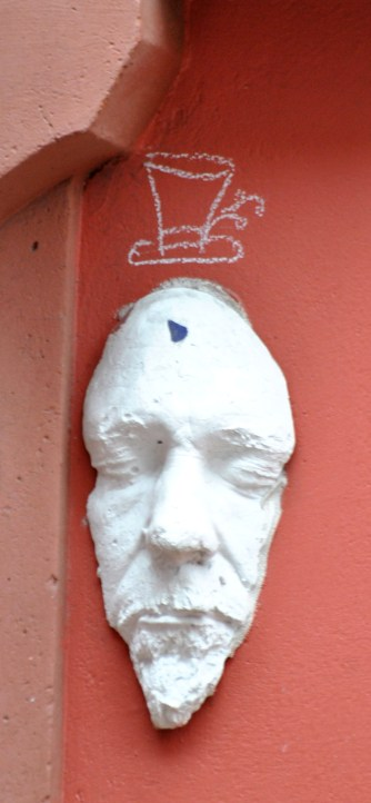Play on hat designs? Street art with a bit of soul!