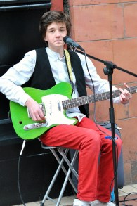 Solo act! The lad was rather good...