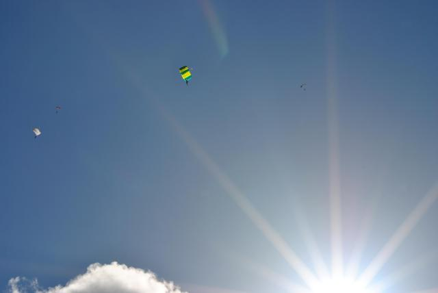 4 shutes against the clear blue sky!!