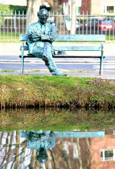 Patrick Kavanagh contemplates life along the Grand Canal, Dublin, Ireland