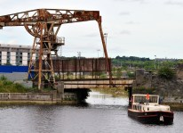 4E at the old Sherriff Street Lifting Bridge... to of the Royal's Specer Dock... it's tidal...