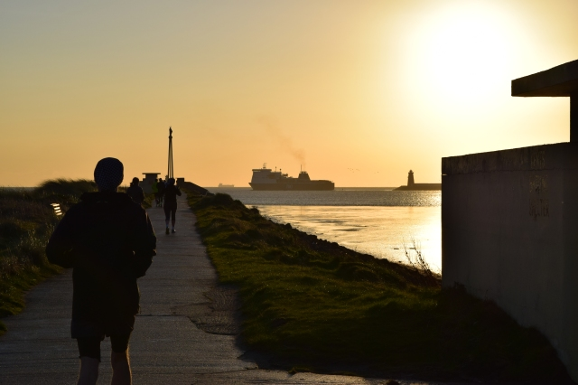 Taking a sun run... on a chilly winter's day! Dublin's North Bull Wall was the spot to be!