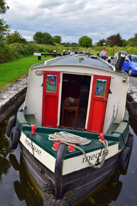 Meave arrives at the Royal Canal's 14th Lock... blissful move!!