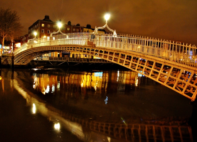 Dublin's Ha'Penny bridge... crossing the Liffey...