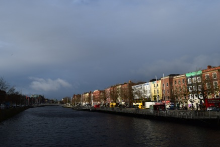 The minutes of transition between sunshine and rain along Dublin's River Liffey... the drenching was near!