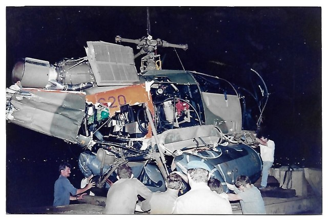 Broken... yes, that's what it looked like after the crash... Alo 620, 11 Jan 1991