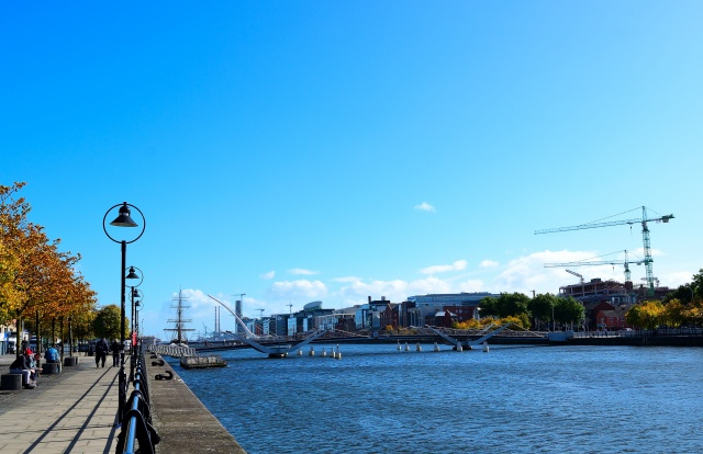 Dublin's lovely Liffey... under a blanket of blue!! Late September sunshine... and gales!