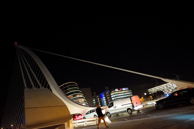 The Samuel Beckett Bridge... The Convention Centre... and the super moon rising over Dublin! 15 Nov 2016