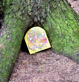 A fairy tree? Yep... there's the door!