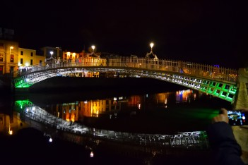 Dublin's Ha'Penny Bridge... an icon of note!