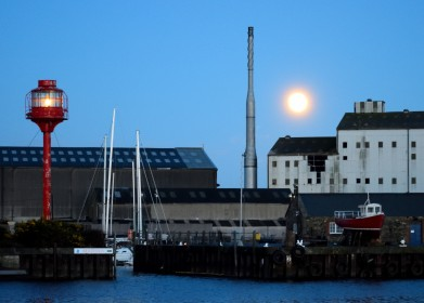 The first full moon of 2018 - Wolf Moon! As seen from Arklow's South Bank... splendid decay??
