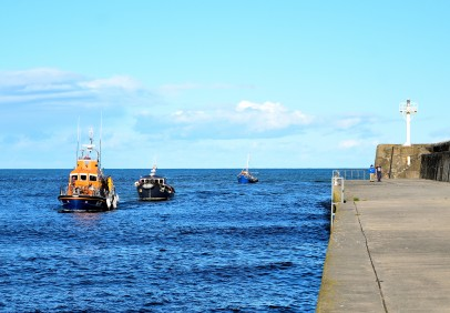 The ignominy of it... towed back by the RNLI!!