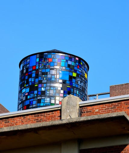 Water tower - somewhere in Brooklyn (Acrually, I know exactly where it is... but hey... does it really matter? 😁😁
